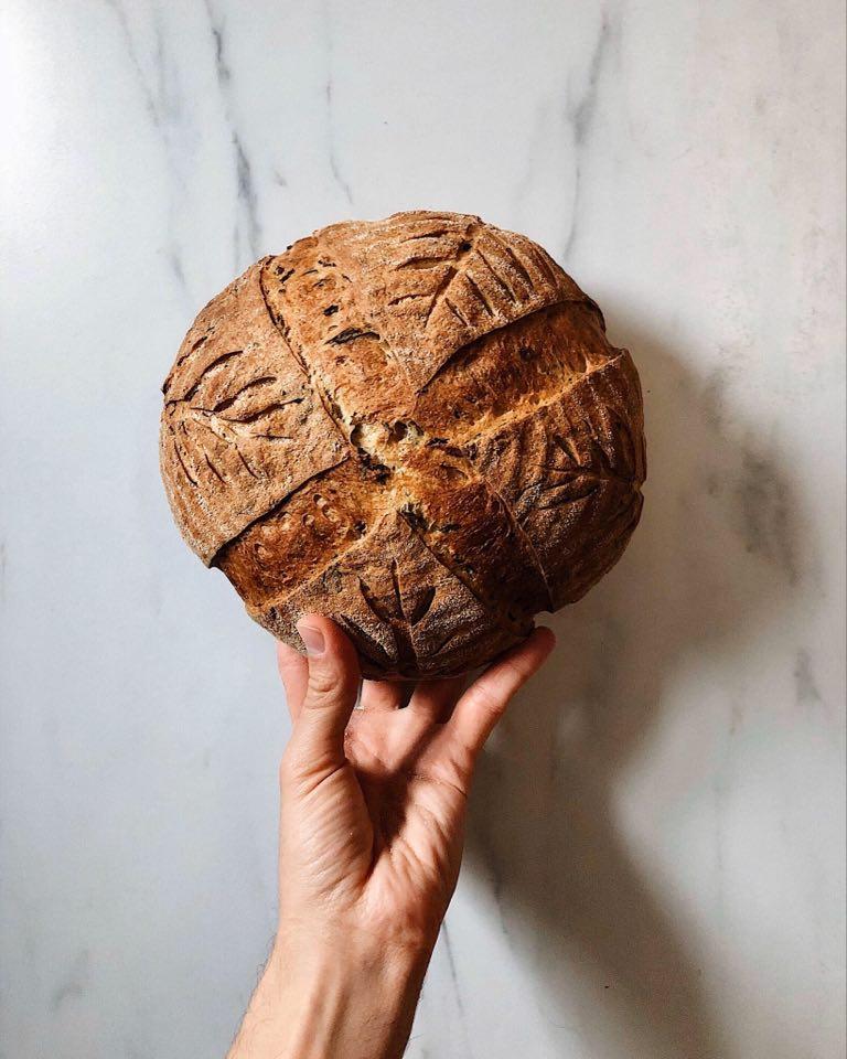 Francúzsky chlieb s medvedím cesnakom