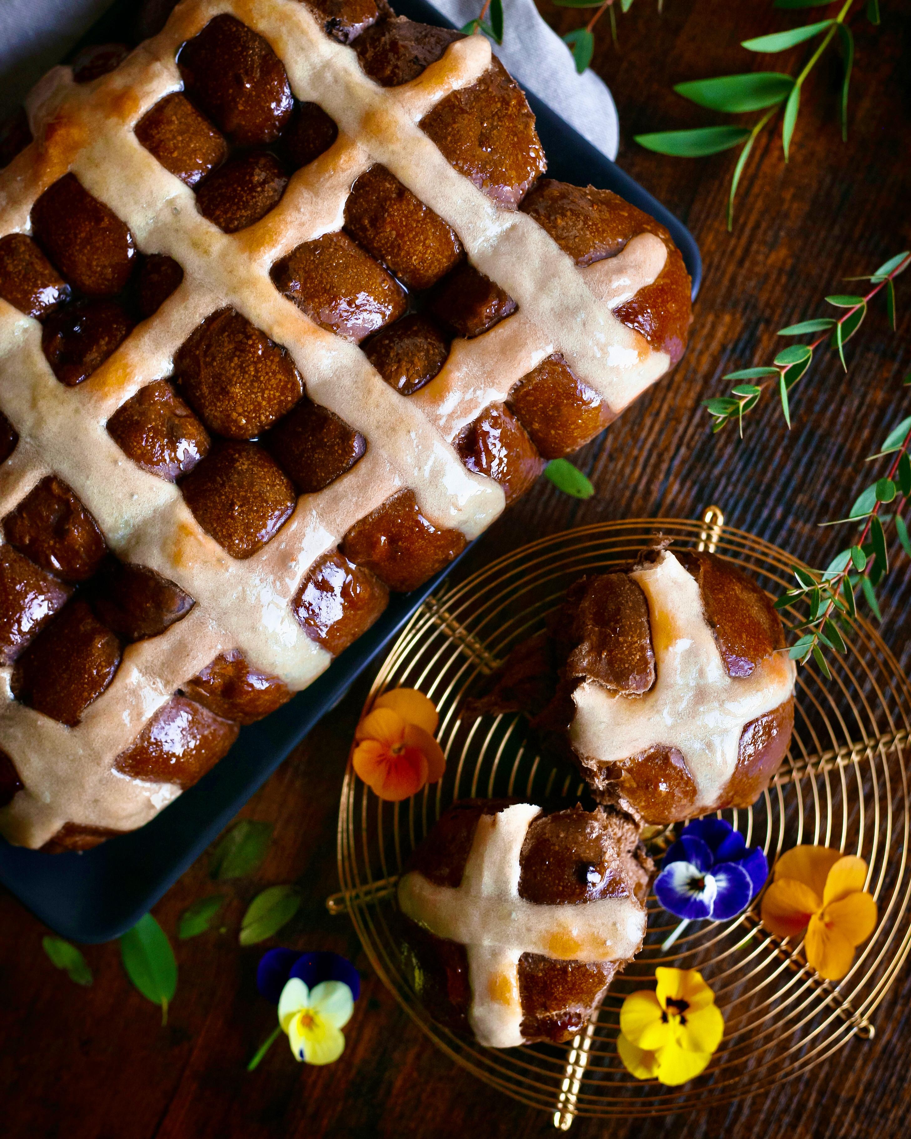 Čokoládové hot cross buns s kváskom Lievito madre