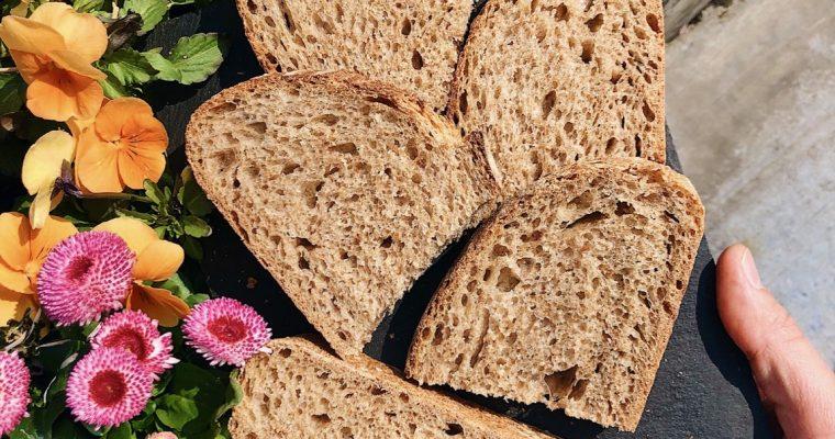 Nadýchaný celozrnný chlieb s kváskom Lievito madre